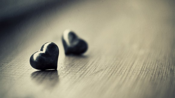 Valentine-Heart-Pictures-Black-and-White-HD-Wallpaper-580x325